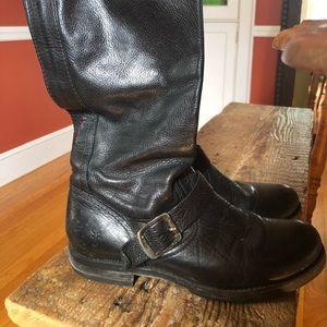 MID-CALF BLACK FRYE BOOTS - VERONICA
